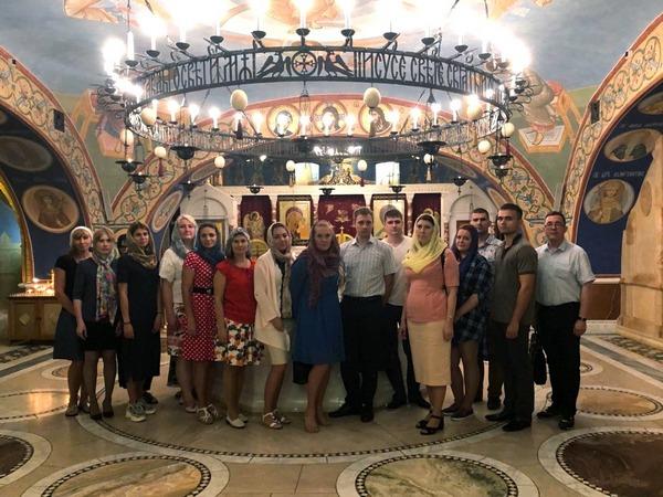 Сотрудники уголовно-исполнительной инспекции УФСИН России по г. Москве посетили Храм Покрова Пресвятой Богородицы в Ясенево