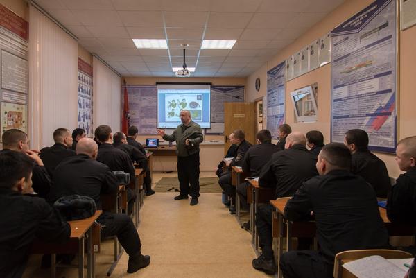 На базе отдела специального назначения «Сатурн» УФСИН России по г. Москве прошло занятие с участием профессиональных спасателей