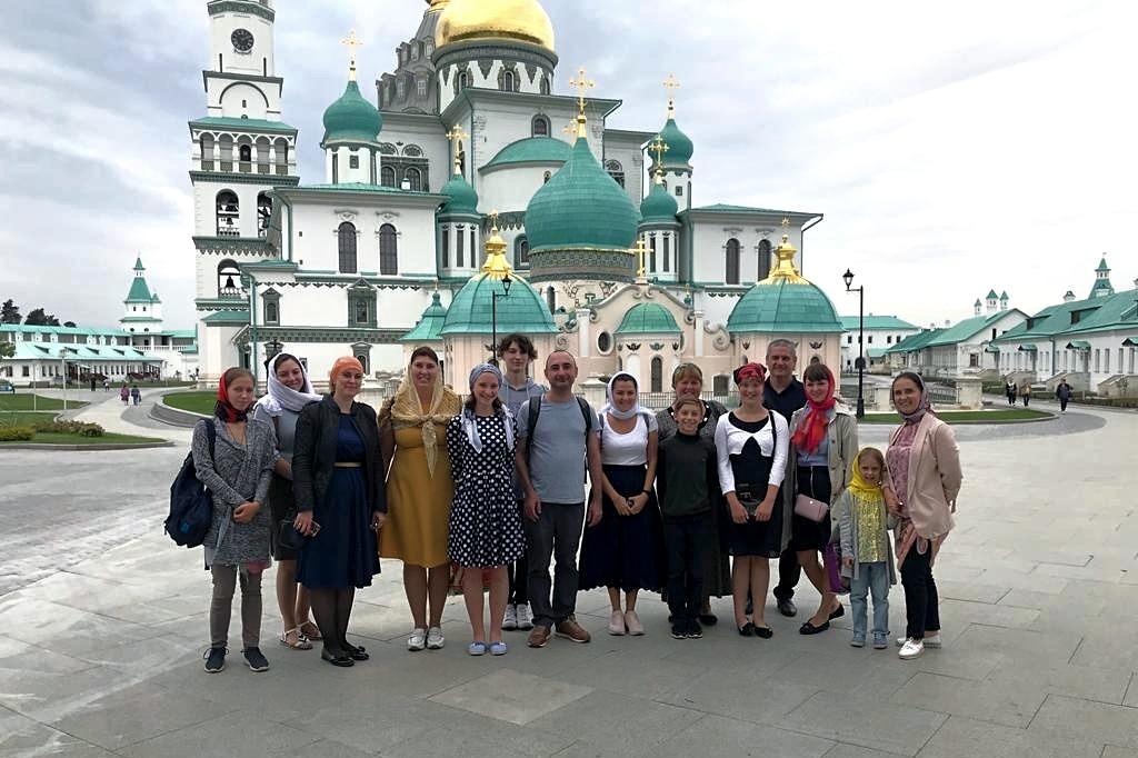 Сотрудники уголовно-исполнительной инспекции и члены их семей посетили Ново-Иерусалимский монастырь