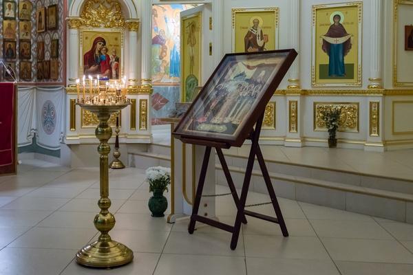В Покровском храме Бутырской тюрьмы прошла служба в память святых царственных мучеников