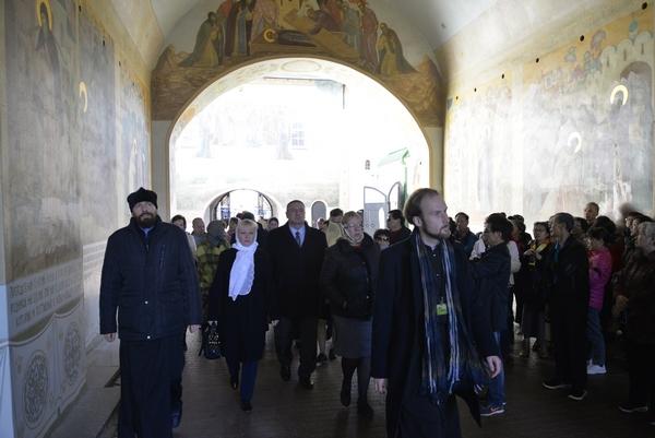 Сотрудники УФСИН России по г. Москве посетили Троице-Сергиеву лавру и Покровский Хотьков монастырь
